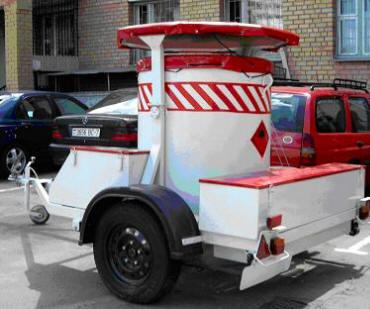 Спецальное транспортное средство для перевозки взрывных устройств