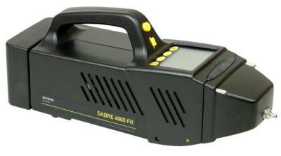Переносной детектор для обнаружения испарений токсических промышленных химикатов или наркотиков SABRE FR