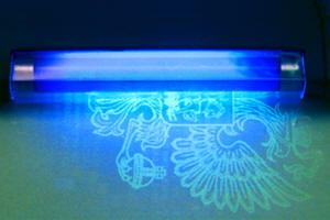 Портативный ультрафиолетовый фонарь УФ-254 (254 нм)