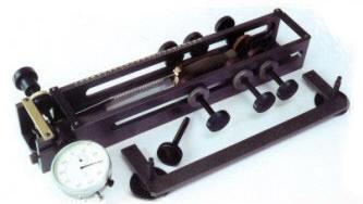Устройство для проверки клинка холодного оружия на прочность и упругость