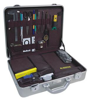 Унифицированный криминалистический чемодан для обследования места проишествия Криминалист (без фотокамеры)