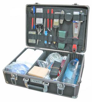 Унифицированный криминалистический чемодан для изъятия объемных следов Тракт