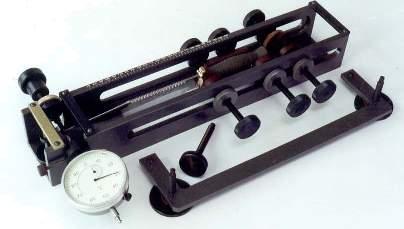 Устройство для проверки клинка холодного оружия на прочность и упругость по ТУ 221 РСФСР-0598-91