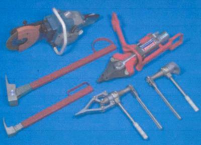 Комплект устройств и инструмента для вскрытия металлических дверей и дверей автотранспорта Ворот