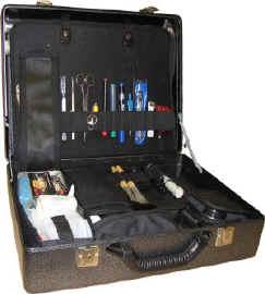 Чемодан криминалистический специализированный для работы на месте происшествия.
