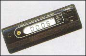 Дозиметр микропроцессорный со встроенными часами.