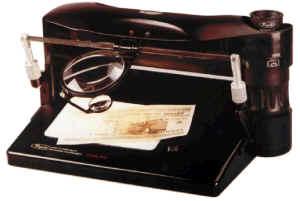 Прибор для контроля подлинности докуентов, денежных знаков и ценных бумаг Regula   4003