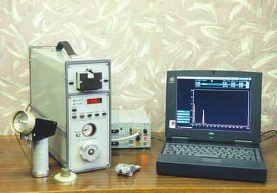 Высокочувствительный переносной газоанализатор паров взрывчатых веществ ЭХО-М